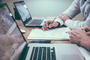 Le remplacement infirmier : contrat, rémunération et télétransmission (1/2)