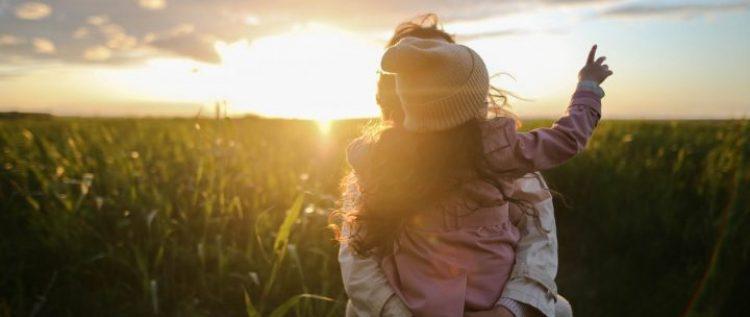 Fête des Mères : top 5 des idées de cadeaux à offrir à une maman IDEL